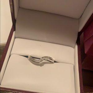 Helzberg diamonds 💍 ring, 10 K white gold